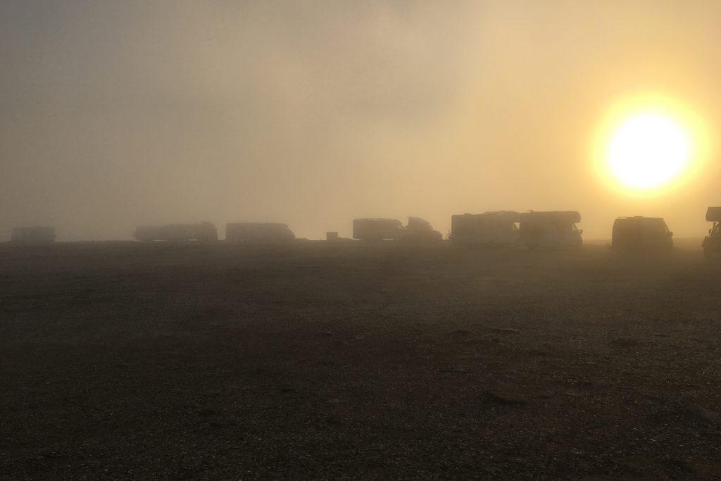 Bei unserer Anreise war das Nordkap-Plateau komplett im Nebel verschluckt.