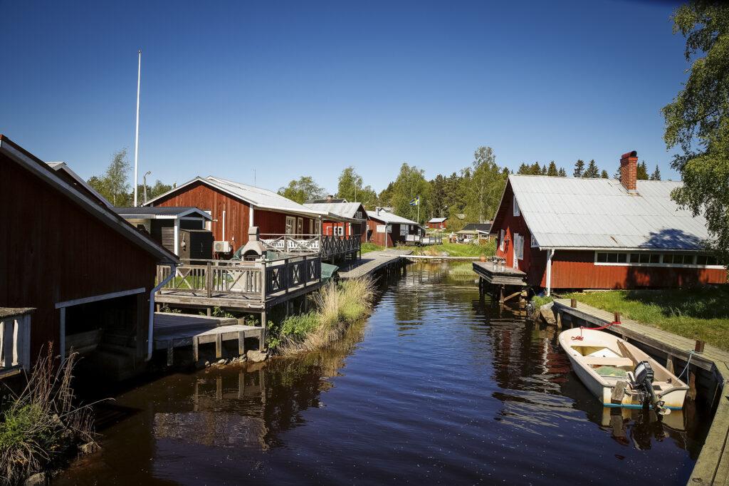 Mellanfjärden Dorf