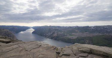 Ausblick vom Preikestolen auf den Lysefjord
