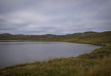 Der See am Campingplatz Basecamp Northcape