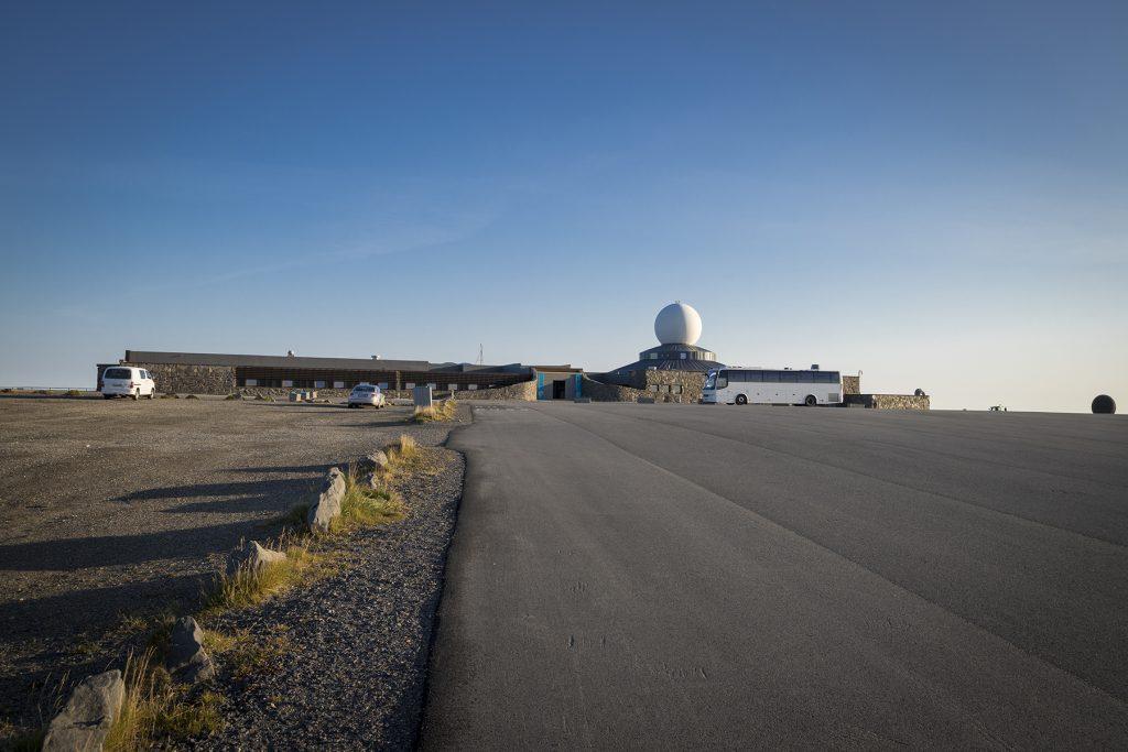 Die Nordkap-Halle, ein begehrtes Ziel vieler Menschen.