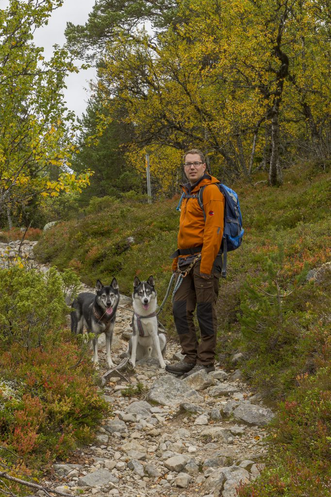 Beginn der Wanderung Naturstigen im Grövelsjön-Fjäll