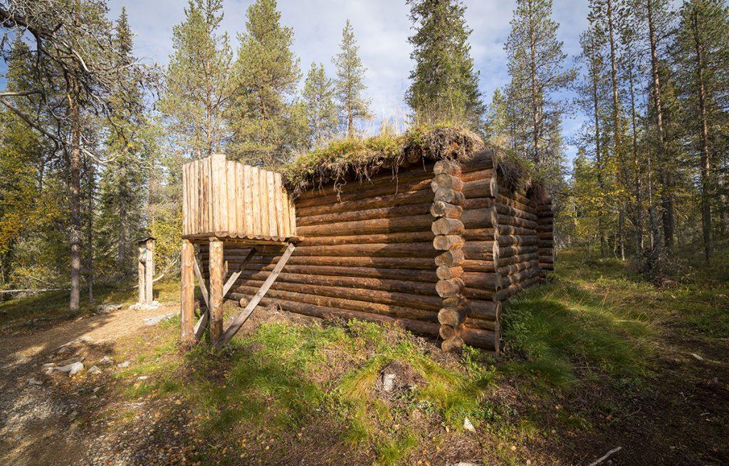 Nachgebaute Schutzhütte aus dem Weltkrieg